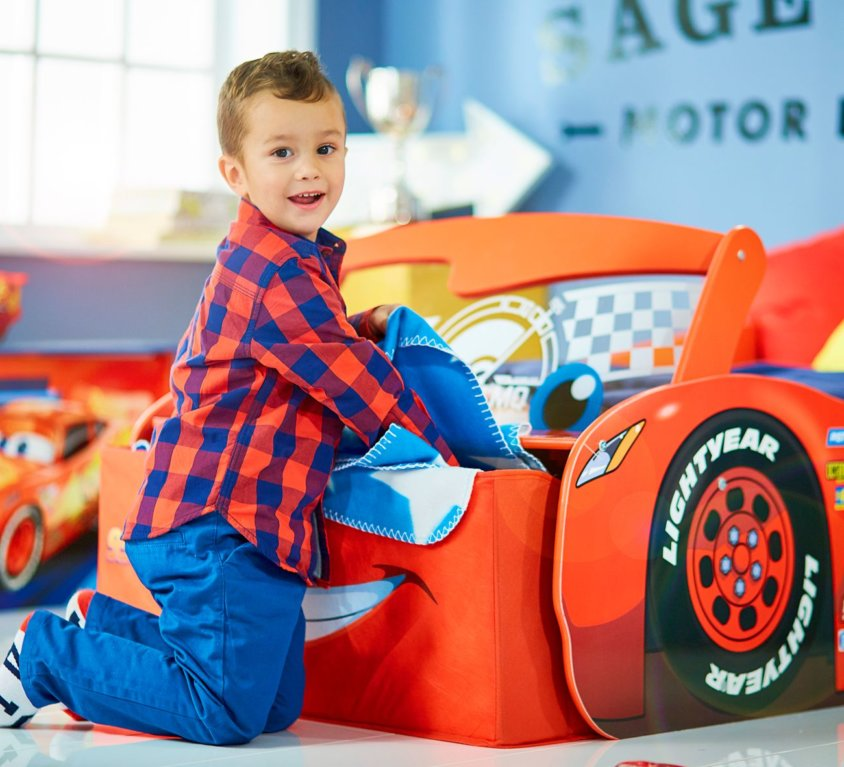 Nyhet: Disney Cars Light Up Lightning McQueen Barneseng